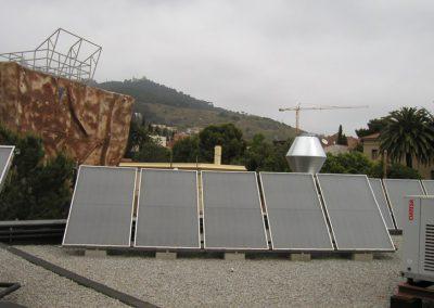 Instalación de Energía Solar Térmica para Agua Caliente y calentamiento de Piscina en un colegio de Barcelona