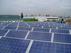 La instalación fotovoltaica en régimen especial, te permite vender toda la producción de energía.